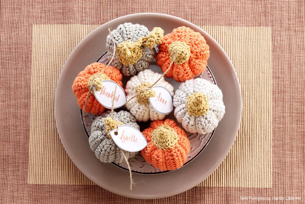 Amigurumi mini Abóboras by Handy Little Me