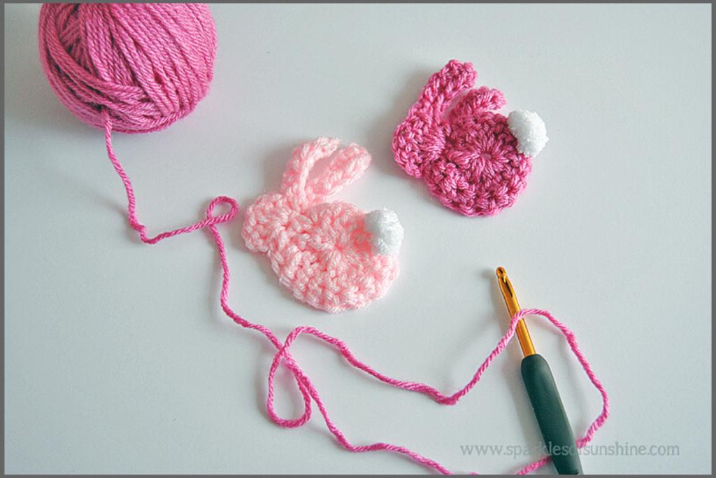coelhos em crochet