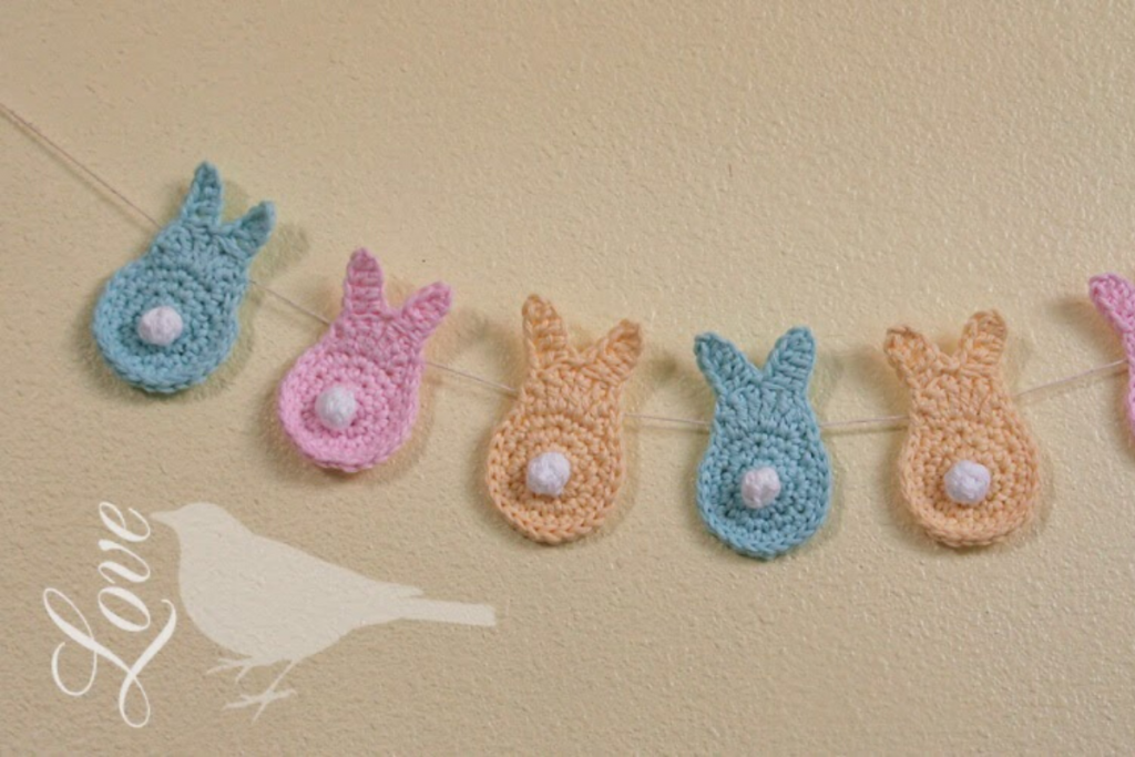 grinalda de coelhinhos, peças em crochet para a páscoa